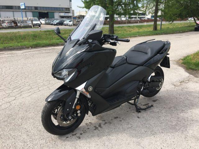 usata T MAX ABS - 1.000 KM - PARI AL NUOVO a benzina Rif. 10057997