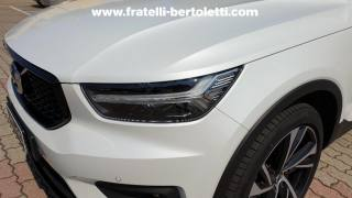 VOLVO XC40 D4 AWD Geartronic R-design Usata