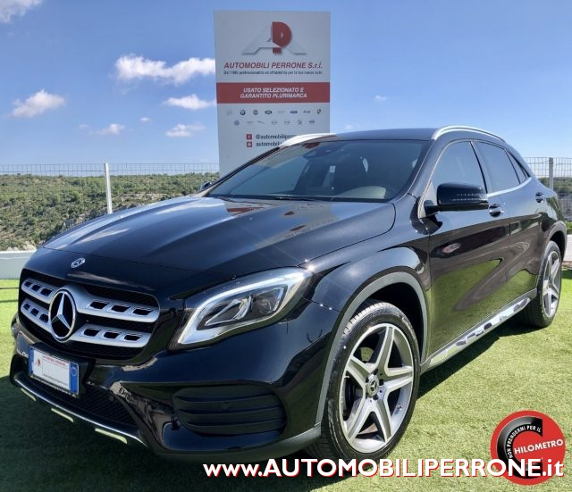 MERCEDES-BENZ GLA 180 Nero metallizzato