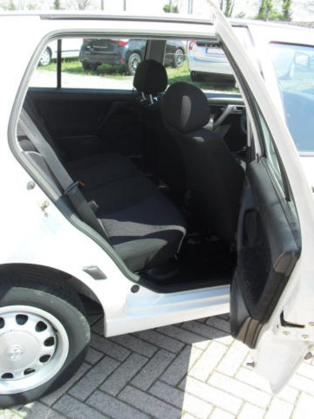 Immagine di VOLKSWAGEN Golf 1.6 cat 5 porte