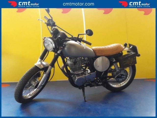 Yamaha Sr 400 usata Finanziabile - grgio - 18552 a benzina Rif. 11542460