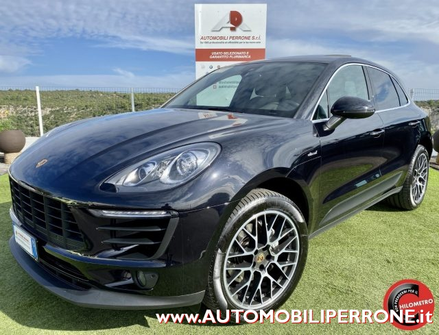 PORSCHE Macan Black metallized