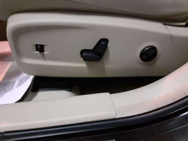 Immagine di LANCIA Thema 3.0 V6 Multijet II 190 CV Platinum