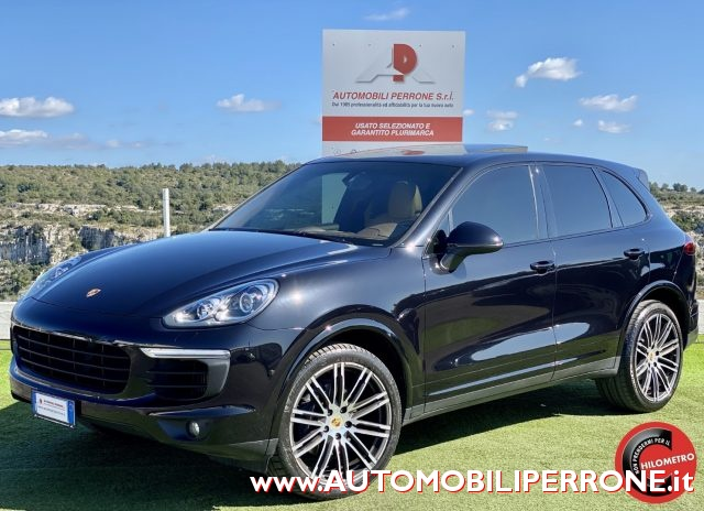 PORSCHE Cayenne Black metallized