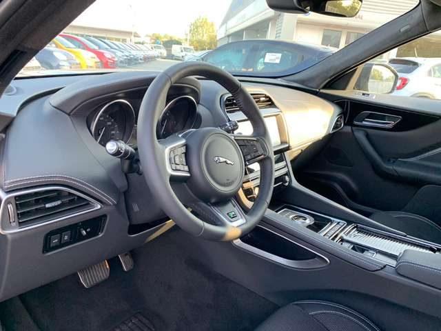 Immagine di JAGUAR F-Pace 2.0 D 180 CV AWD aut. R-Sport – KM 0 – VARI COLOR