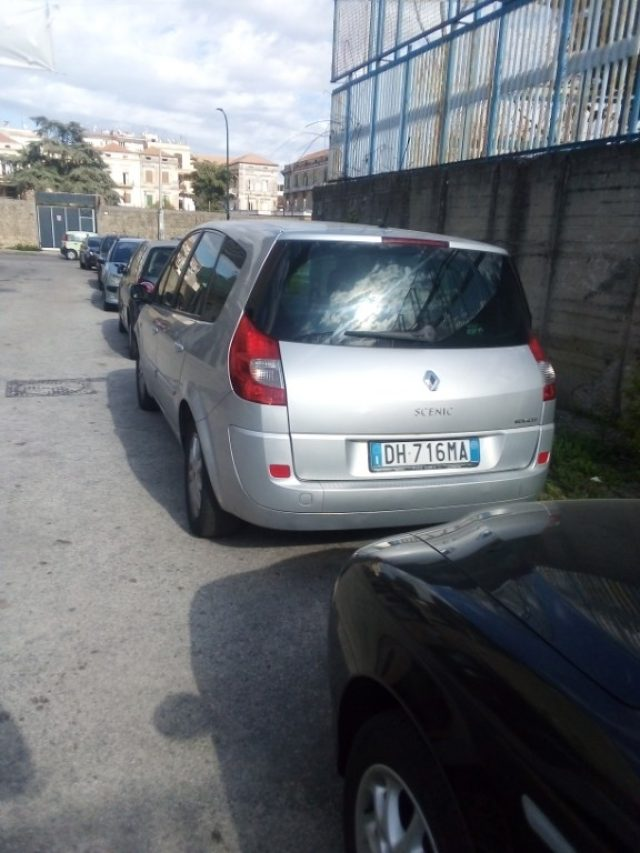 RENAULT Grand Scenic 1.5 dCi/105CV SS Exception