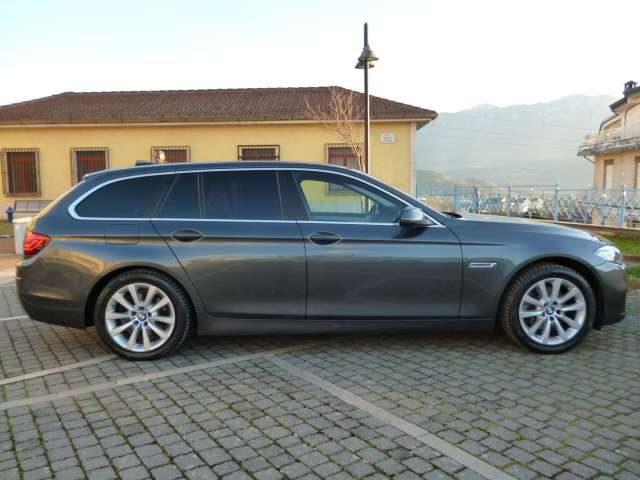Immagine di BMW 518 d Touring aut. BI-XENON RADAR (GUIDA AUTONOMA)