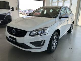 VOLVO XC60 D4 AWD Geartronic Kinetic Usata