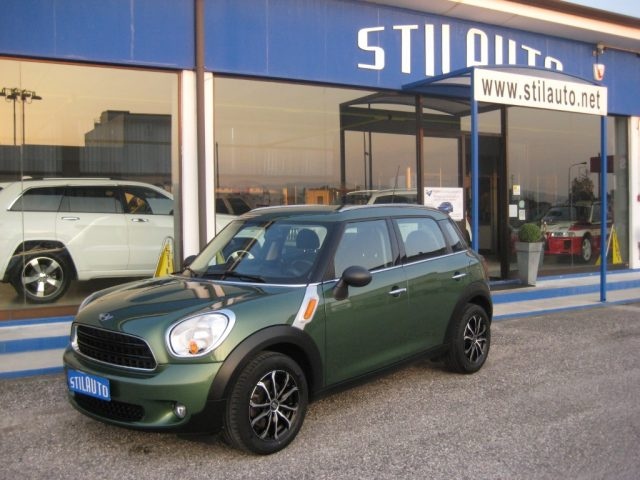 MINI Countryman Verde metallizzato