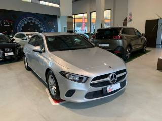 MERCEDES-BENZ A 180 D Automatic Business Extra Usata