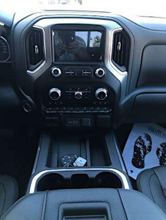 """Immagine di GMC Sierra 2020 Denali 4×4 Crew Cab 6.6"""" box 157"""""""