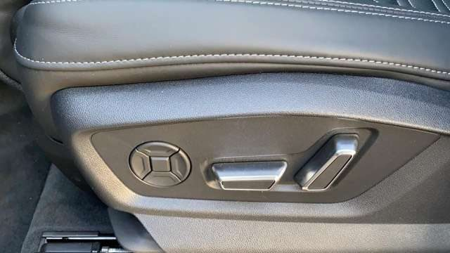 Immagine di AUDI RS Q8 RSq8. panorama / b&o / head up