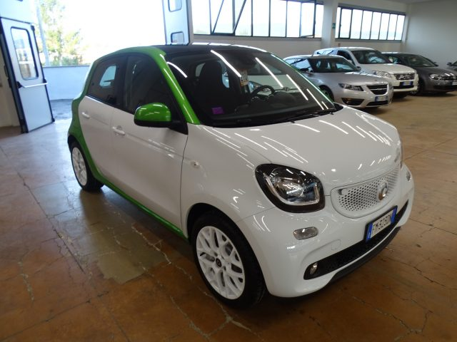 SMART ForFour electric drive Passion NAVI PANORAMA FULL OPTIONAL