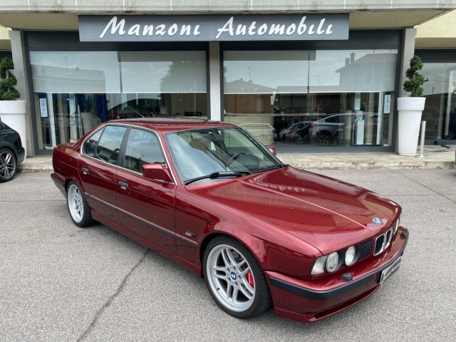 BMW M5 Bordeaux metallizzato