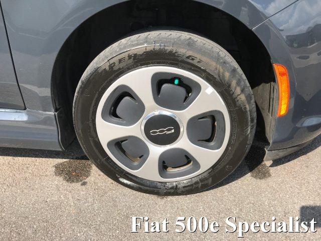 Immagine di FIAT 500 Abarth FIAT 500e ELETTRICA NUOVA FIAT 500 BEV ABARTH LOOK