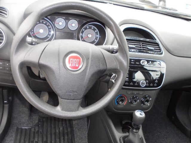 Immagine di FIAT Punto 1.4 8V 5 porte Natural Power Street KM44000