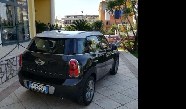 Immagine di MINI Cooper SE Countryman 110 CV Cambio Automatico Interni Pelle Totale