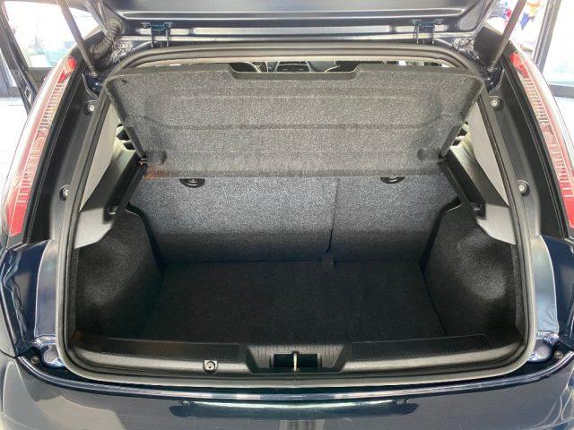 """Immagine di FIAT Punto 1.2 8V 5 porte Lounge """"Neopatentati"""""""