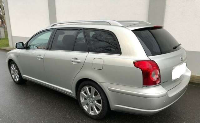 Immagine di TOYOTA Avensis 2.2 D-4D 16V Station Wagon