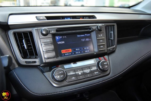 Immagine di TOYOTA RAV 4 RAV4 2.0 D-4D 2WD Active