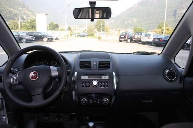 Immagine di FIAT Sedici 1.6 16V 4×4 Emotion 82.000 KM TAGLIANDI CERTIFICA