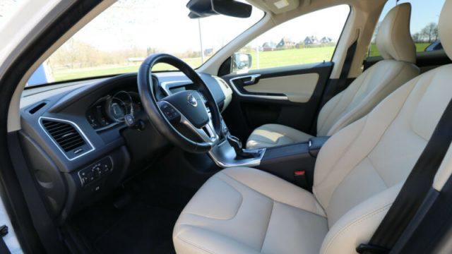 Immagine di VOLVO XC60 D3 Summum AWD PELLE BI-XENON LUCE CURVA