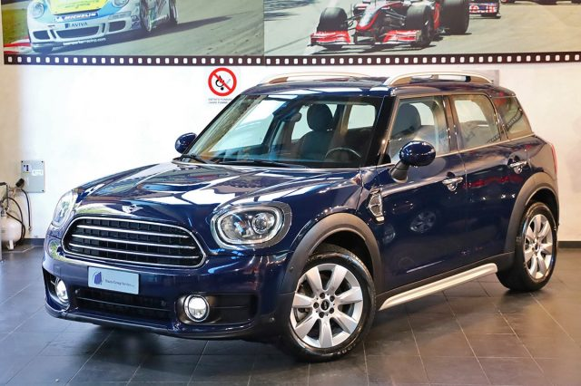 MINI Countryman Blu Lapisluxury pastel