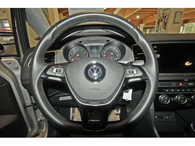 Immagine di VOLKSWAGEN Golf Sportsvan 1.5 TSI IQ.DRIVE, Navi, 5 Jahre Garantie, Parklen
