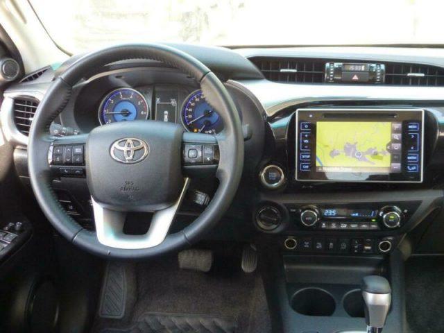Immagine di TOYOTA Hilux 2.4 D-4D 4WD 4 porte Double Cab Executive