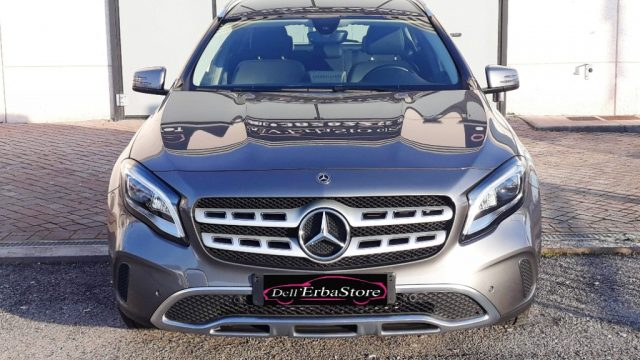 MERCEDES-BENZ GLA 180 Sport automatica navy led pack