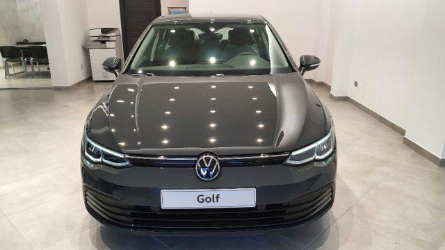 VOLKSWAGEN Golf 1.0 eTSI EVO DSG Life Nuova 4 Anni di Garanzia