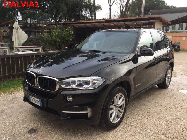 BMW X5 25d 7 POSTI- MONITOR POSTERIORI