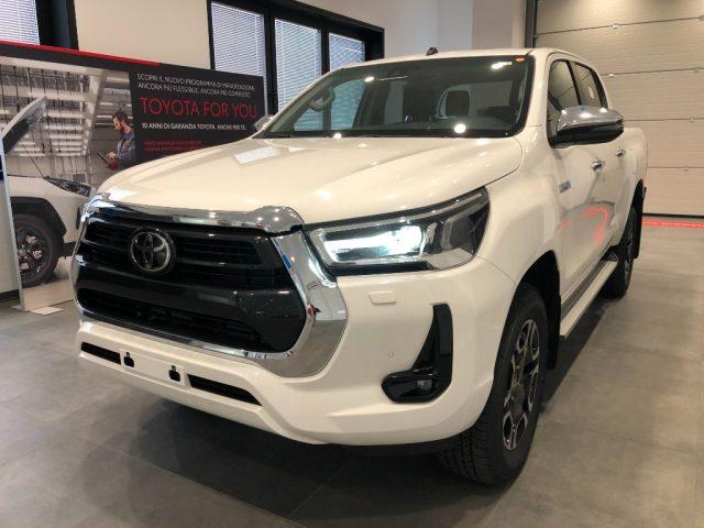 TOYOTA Hilux 2.4 D-4D A/T 4WD 4 porte Double Cab Executive