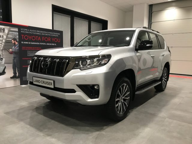 TOYOTA Land Cruiser 2.8 D4-D A/T 5 porte Executive