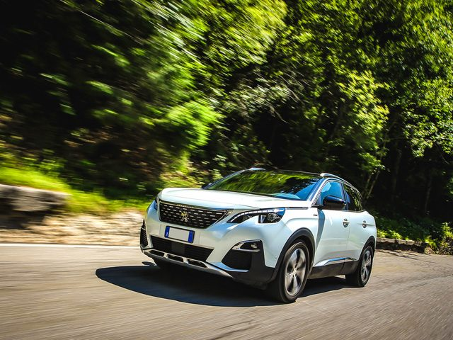 PEUGEOT 3008 BlueHDi 130 S&S EAT8 Allure