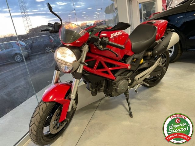 Immagine di MOTOS-BIKES Ducati Monster 696