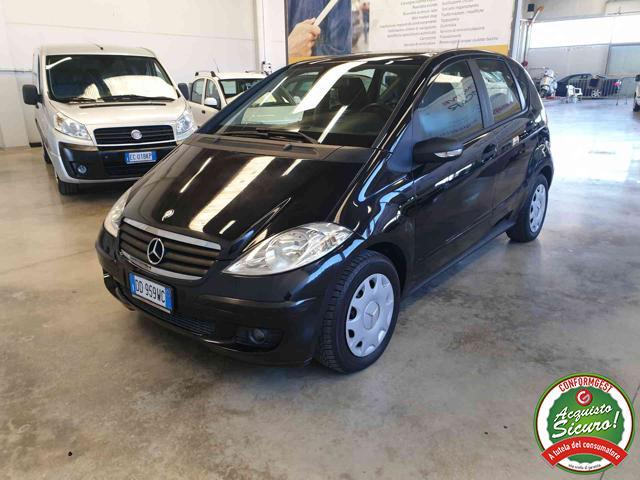 MERCEDES-BENZ A 180 Nero pastello