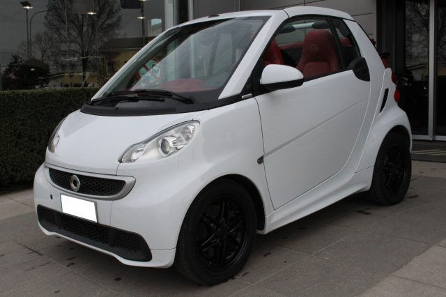 SMART ForTwo 1000 52 kW MHD cabrio Brabus Tailor Made Edition