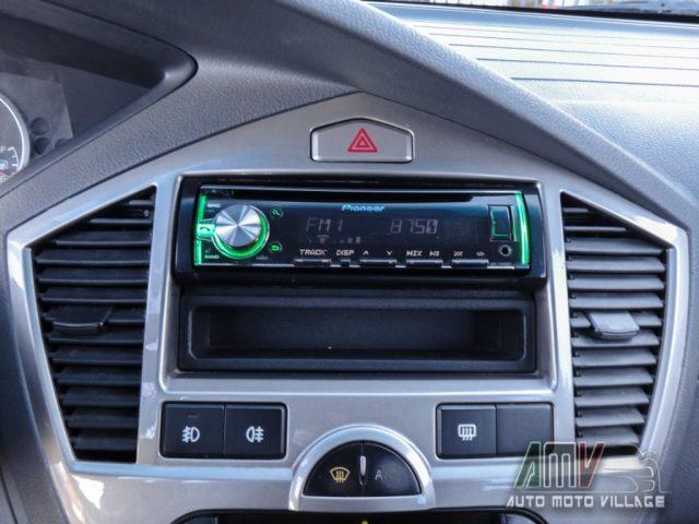 Immagine di KIA Carens 2.0 16V CRDi EX CLIMAUTO-AUX/USB-FENDI