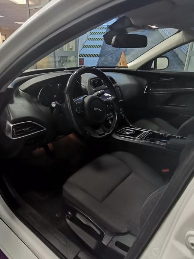 Immagine di JAGUAR XE 2.0 D 180 CV AWD aut. Portfolio