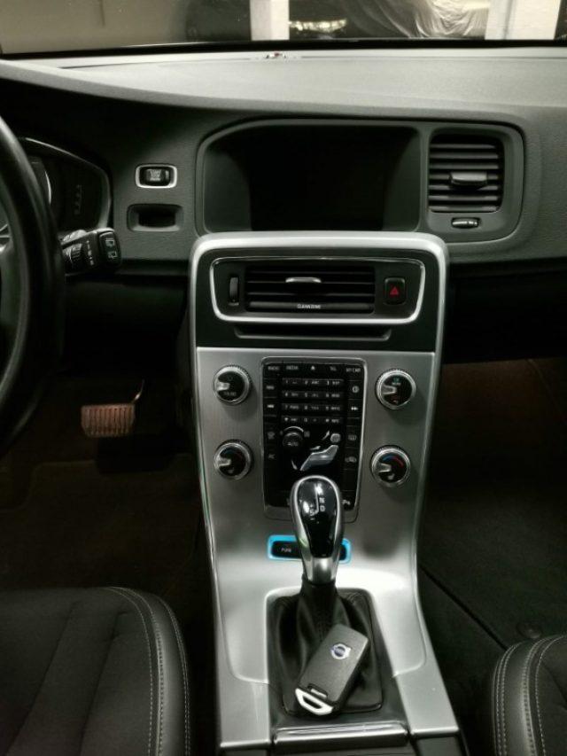 Immagine di VOLVO V60 D6 Twin Engine Geartronic Momentum