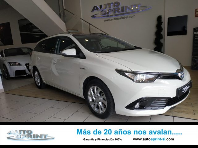 TOYOTA Auris Touring Sports Blanco metalizada