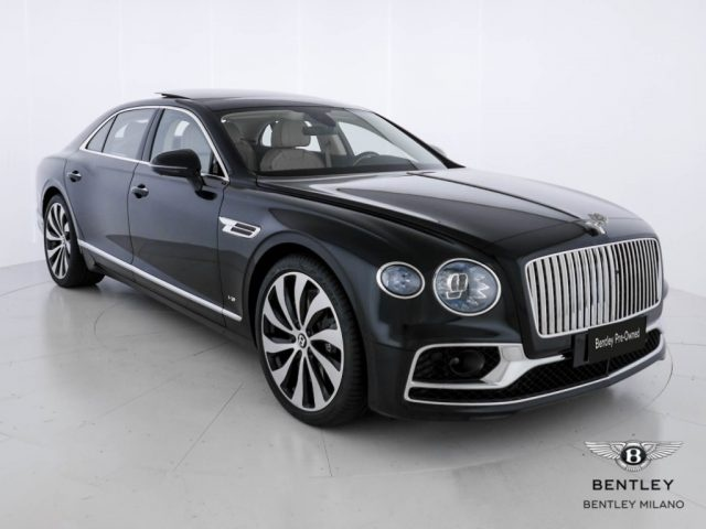 BENTLEY Flying Spur V8 21MY (Price List. 273.000?)