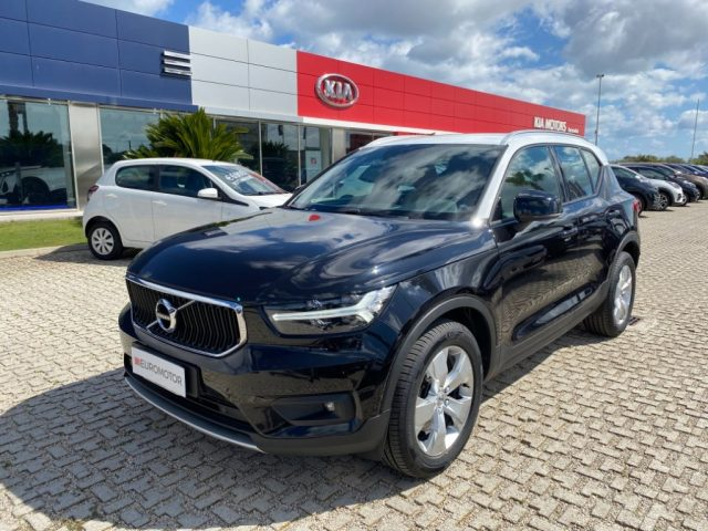 VOLVO XC40 2.0 D4 AWD Geartronic Momentum