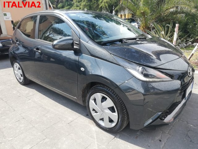 TOYOTA Aygo 1.0 69 CV 5P x-play MMT AUTOMATICA