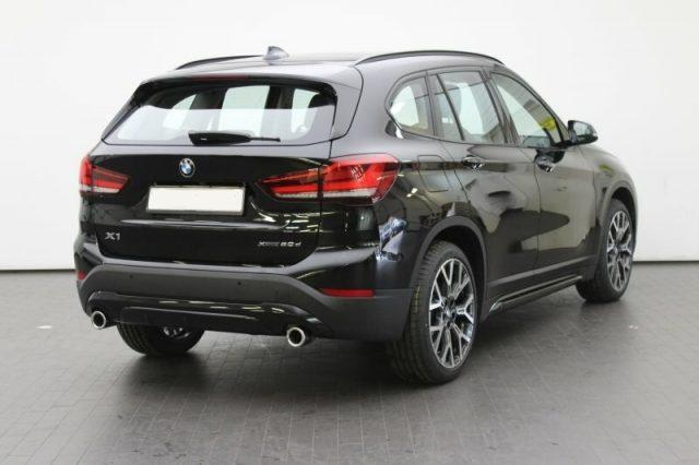 BMW X1 xDrive20d xLine LED NAVI RETROCAMERA 18''
