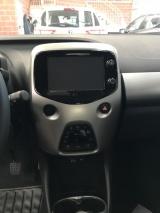 Toyota Aygo 1.0 Vvt-i 69 Cv 5 Porte X-play Tss - immagine 4