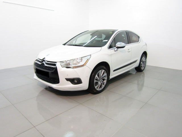 CITROEN DS4 White pearled