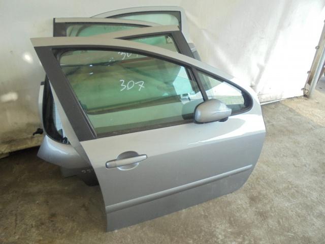 Peugeot 307 usata PORTA ANTERIORE DESTRA a benzina Rif. 9555212