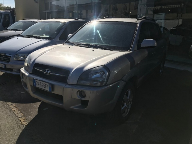 Hyundai Tucson usata 2.0 CRDi TD Active diesel Rif. 9737384